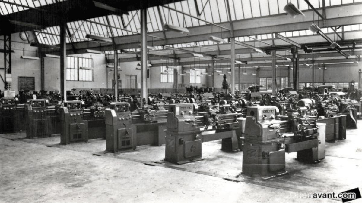 L'atelier de machines outils à l'école Saint-Joseph